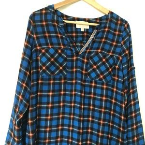 Plaid v neck blouse with front pockets